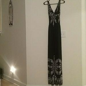 Dresses & Skirts - NWOT xxxL black and white sleeveless maxi dress